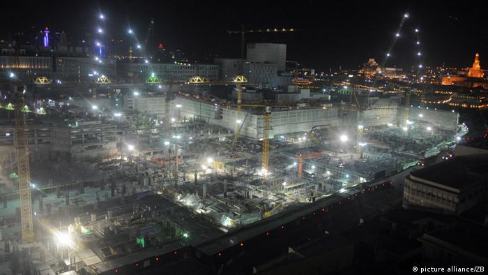 Luftaufnahme von einer Großbaustelle in Doha in Katar
