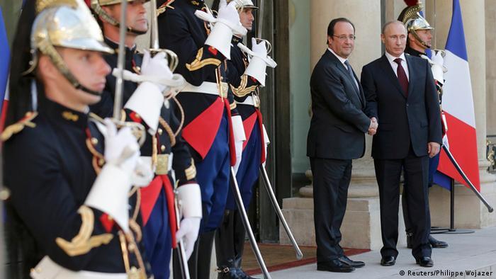 Frankreichs Präsident Hollande (l.) empfängt den russischen Präsidenten Putin (Foto: rtr)