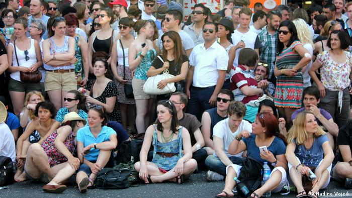 Onlookers at the Carnival of Cultures