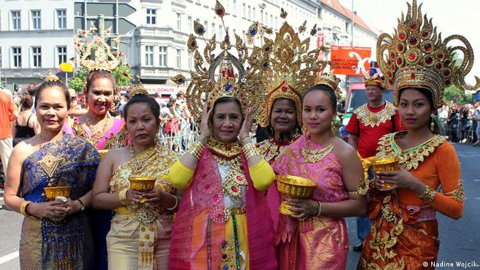 Members of the Thai group Baan Mai Ruh Roy