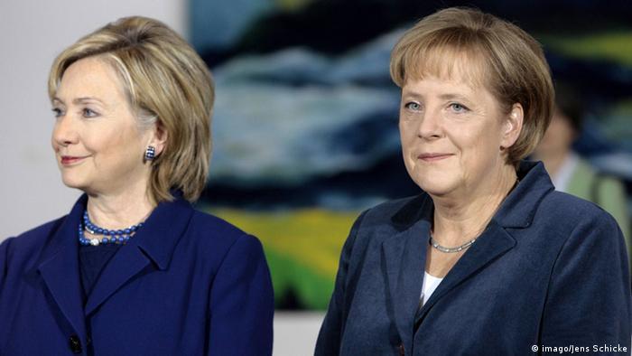 Hillary Clinton und Angela Merkel 2009. (Foto: Imago)