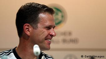 Oliver Bierhoff PK in Campo Bahia 09.06.2014. (Foto: Getty)