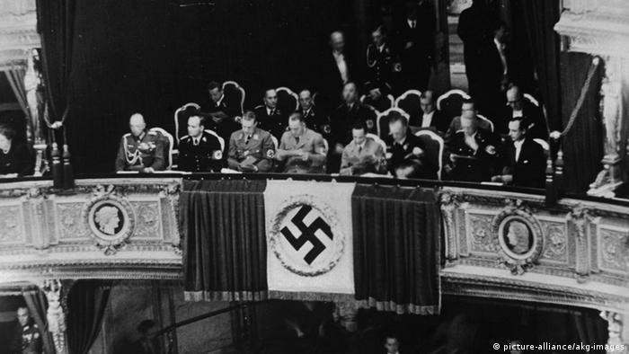 Inauguración de las Semanas del Teatro del Reich en la Ópera de Viena en 1938, con El caballero de la rosa de Richard Strauss.