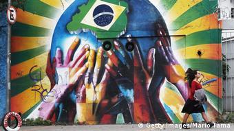 Straßenszene in Brasilien WM 2014