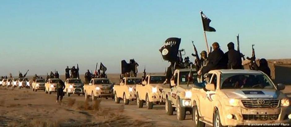 """Militantes do """"Estado Islâmico"""" no Iraque"""