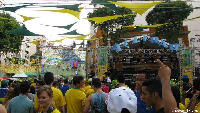 """La tradicional fiesta callejera """"Alzirão"""" en Río de Janeiro."""