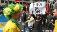 Copacabana Fans und Demonstranten 12.06.2014