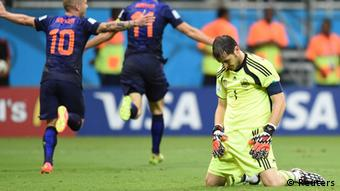 Испания вместе с Икером Касильясом выбыла сразу после группового турнира