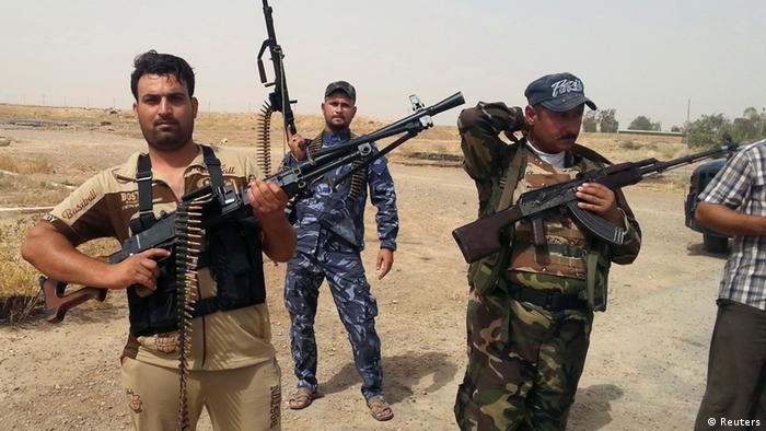 شماری از نیروهای داوطب عراقی برای جنگ با داعش به ارتش این کشور پیوستهاند