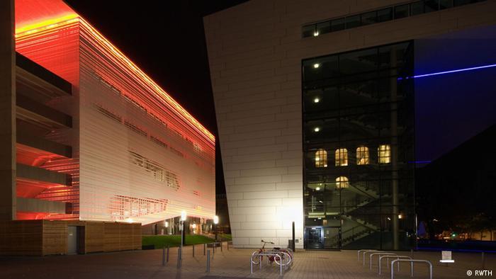 RWTH Aachen beleuchtet