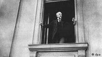 Philipp Scheidemann ruft die Republik aus