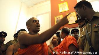 Sri Lanka budhistische Mönche von der Gruppe Bodu Bala Sena 23.04.2014