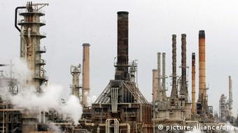 Το διυλιστήριο πετρελαίου στο Μπατζί