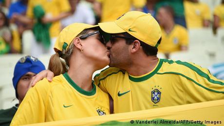 FIFA WM 2014 Fans Kuss