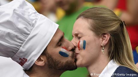 FIFA WM 2014 Frankreich Fans Kuss