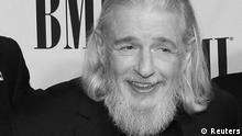 Songwriter Gerry Goffin poses at the BMI's 60th annual Pop Music Awards n Beverly Hills, California in this May 15, 2012 file photo. Lyricist Gerry Goffin, who co-wrote some of the biggest hit songs of the 1960s with his former wife and longtime collaborator Carole King, died on June 19, 2014 at age 75, King said in a message posted on Facebook. REUTERS/Fred Prouser/Files (UNITED STATES - Tags: ENTERTAINMENT OBITUARY)