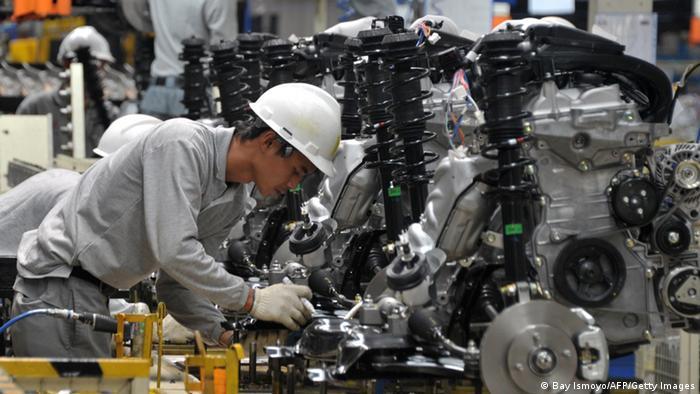 Indonesien Autofabrik 2014