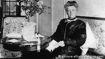 Bertha von Suttner um 1912 (picture-alliance/akg-images)