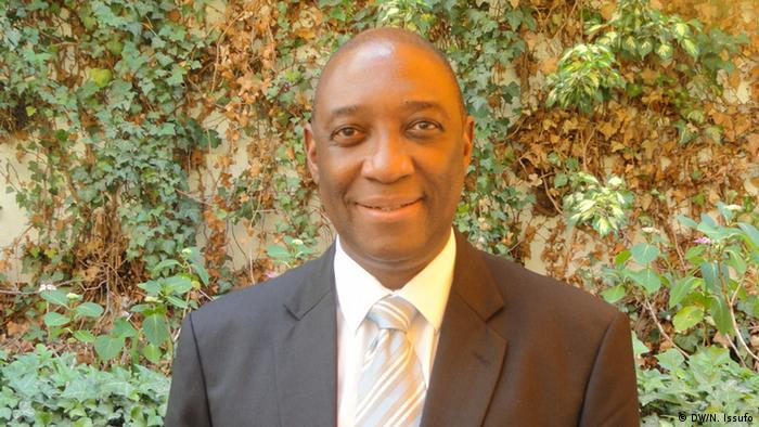 Oldemiro Balói, ministro dos Negócios Estrangeiros de Moçambique