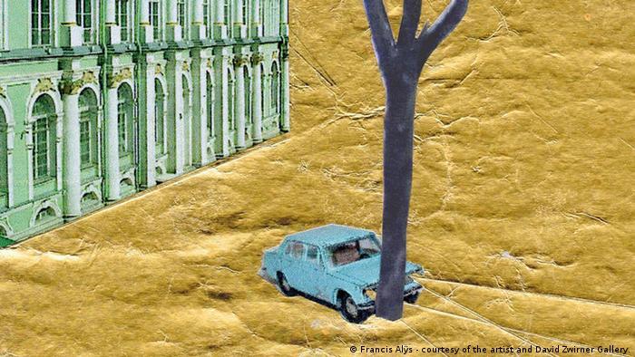 Bruchlandung in Petersburg: Francis Alÿs ließ einen alte Lada, mit dem er aus Brüssel angereist kam, im Eremitage-Hof gegen einen Baum fahren Courtesy: Galerie David Zwirner