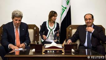 Waziri mkuu wa Iraq Nouri al-Maliki alipokutana na waziri wa mambo ya kigeni wa Marekani John Kerry.