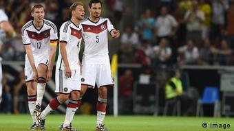 Deutschland Fußball Nationalmannschaft Abwehr Mats Hummels Benedikt Höwedes und Per Mertesacker