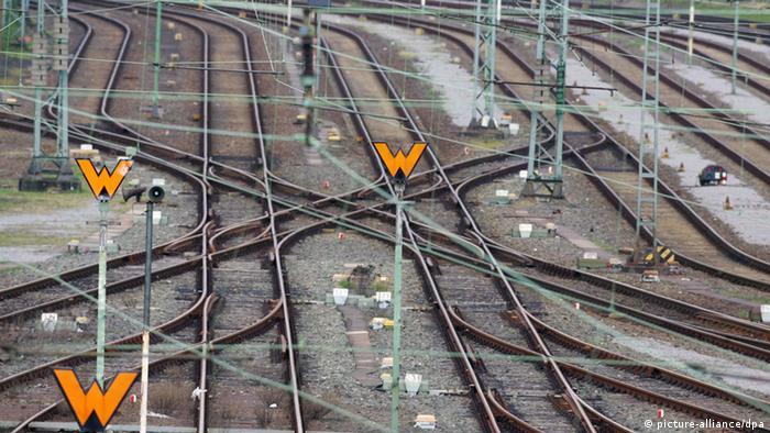 Ein Wirrwarr von Bahnschienen