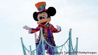 Micky Maus-Figur im Disneyland Tokio