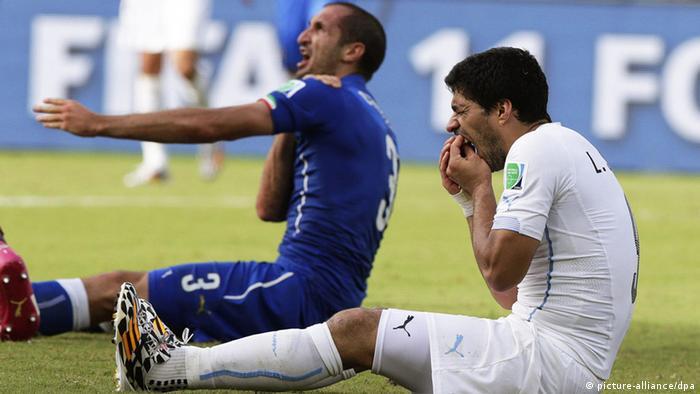 Fifa WM Italien Uruguay Chiellini Bissspuren Suarez