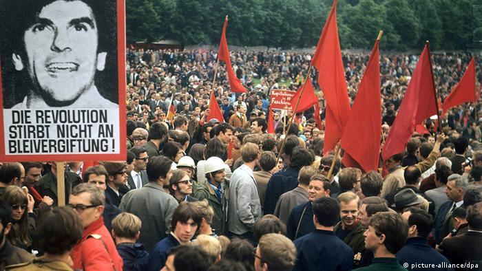 Deutschland Demonstration gegen Notstandgesetze 1968 in Bonn