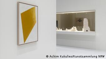 На выставке Кандинский, Малевич, Мондриан. Бесконечная белая бездна