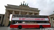 Bildnummer: 53033568 Datum: 28.05.2009 Copyright: imago/PEMAX Es gibt keinen Gott - Schriftzug auf einem Bus vor dem Brandenburger Tor in Berlin - Buskampagne für den Atheismus, , Objekte; 2009, Berlin Deutschland , Kampagne; , quer, Kbdig, Einzelbild, , , Europa o0 Freisteller Bildnummer 53033568 Date 28 05 2009 Copyright Imago PEMAX it gives Do not God emblem on a Bus before the Brandenburg goal in Berlin Buskampagne for the Atheism Objects 2009 Berlin Germany Campaign horizontal Kbdig Single Europe o0 cut out