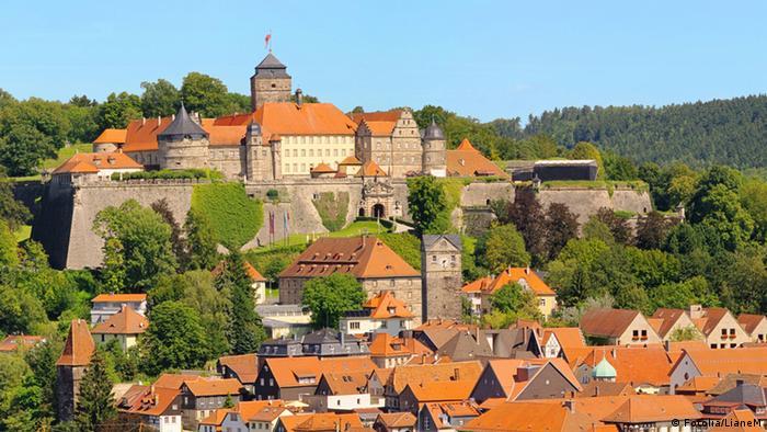 Vista da cidade de Kronach, com a fortaleza ao fundo