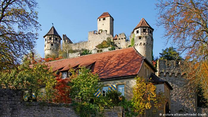 Vista externa do castelo Hornberg Castle