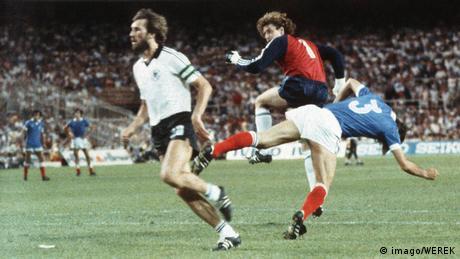 Weltmeisterschaft 1982 Halbfinale Foul von Schumacher an Battiston