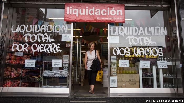 Аргентина. Країна перебуває у постійній кризі протягом останніх двох десятиліть.