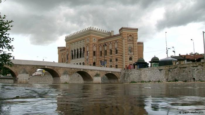 Bosnien Nationalbibliothek Sarajevo (DW/F. Hofmann)