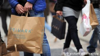 Primark bags (Photo: dpa - Bildfunk+++)
