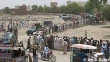Internally Displaced People in Waziristan *** DW-Korrespondent aus Pakistan, Danish Baber, Juni 2014