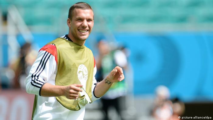 Debido a una lesión en el muslo derecho, Podolski no podrá jugar contra Argelia.