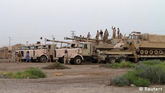 Military vehicles of the Iraqi security forces gather during an intensive security deployment on the outskirts of the city of Samarra, Iraq (Photo: REUTERS/Stringer)