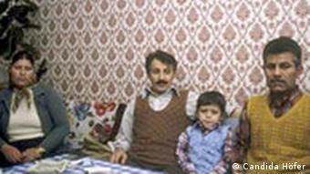 Projekt Migration Candida Höfer: Türken in Deutschland, 1976, Dia-Projektion