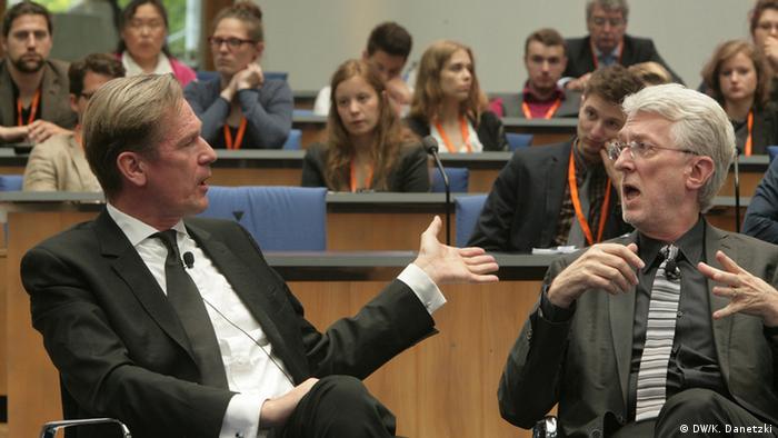 Jeff Jarvis and Mathias Döpfner, speaking at the Global Media Forum