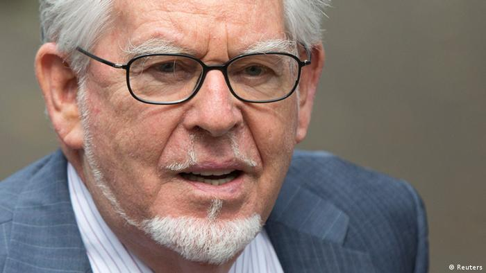 Entertainer Rolf Harris arrives at Southwark Crown Court in London June 27, 2014. REUTERS/Neil Hall (