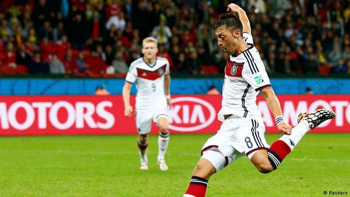 El zurdazo de Özil dio la victoria a alemania.