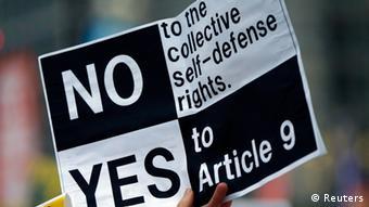 Japan Verfassung Proteste 30.06.2014