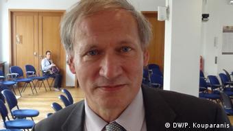 Detlef Eckert ist Direktor der Abteilung für Beschäftigungspolitik bei der EU-Kommission, fotografiert bei einer Veranstaltung zur Bekämpfung der Jugendarbeitslosigkeit in der EU. (Foto: DW/Panagiotis Kouparanis)