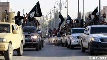 ISIS Kämpfer Militärparade in Syrien 30.06.2014