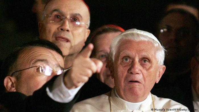 Papst Benedikt XVI. besucht die Hagia Sophia - Foto: PATRICK HERTZOG/AFP/Getty Images