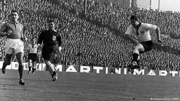 تاريخ معارض الصور الألمانية قبل كأس العالم 1958 في فرنسا (picture-alliance / dpa)
